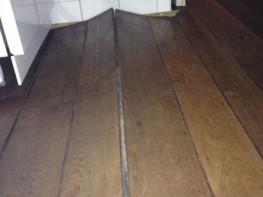 FOTO oude houten vloer keuken